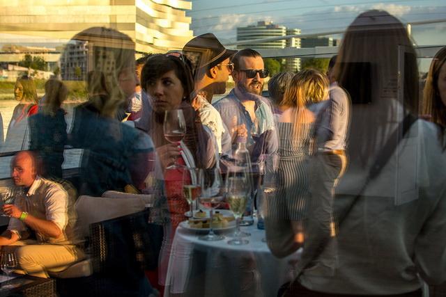 Winelovers boros kóstoló a Dunán a Budapest Hajó fedélzetén