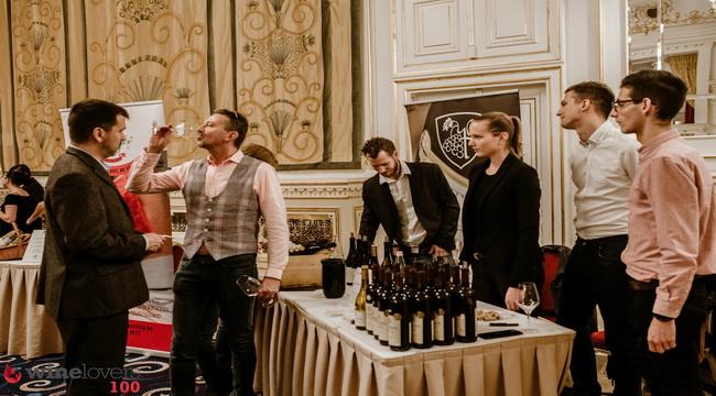 Winelovers 100 Nagykóstoló a Corinthia Hotel Budapest Báltermében. Gellér Anna fotója. Rendezvény Magazin 2019.