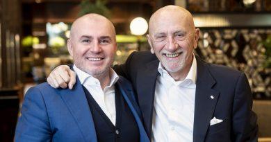 Fausto Arrighi és Herczeg Zoltán. Volkswagen-Dining Guide TOP100 Étteremkalauz 2020. RendezvényMagazin 2020.